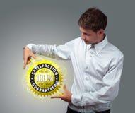 biznesowy biznesmena mienia znak wirtualny Obraz Royalty Free