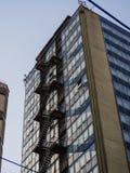 Biznesowy budynek, pożarniczej ucieczki schodki obrazy stock