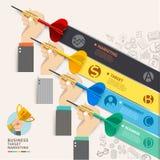 Biznesowy celu marketingu pojęcie Biznesmen ręka z strzałką Zdjęcie Royalty Free