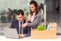 Biznesowy chodzenie w biurze Zdjęcia Stock