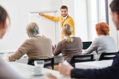 Biznesowy consultat jako wykładowca obraz royalty free
