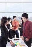 Biznesowy dyskusi vertical Zdjęcie Royalty Free