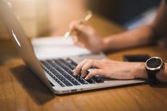 Biznesowy laptop i marketing obraz royalty free