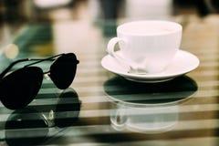 Biznesowy lunch w kawiarni zdjęcia stock