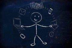 Biznesowy mężczyzna żongluje z biurowymi przedmiotami, pojęcie productivi Obrazy Royalty Free