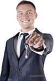 Biznesowy mężczyzna daje ty kluczom dom Obrazy Stock