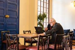 Biznesowy mężczyzna dyskutuje biznes w resturant Fotografia Stock