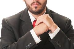 Biznesowy mężczyzna z brodą, czarnym kostiumem i czerwonym krawatem, Zdjęcie Royalty Free
