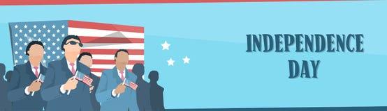 Biznesowy Man Group Trzyma Stany Zjednoczone dnia niepodległości Chorągwianego sztandar Zdjęcia Stock