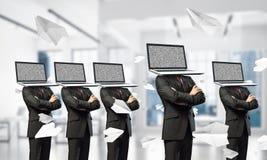 Biznesowy nałóg na nowożytnych technologiach obrazy royalty free