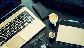 Biznesowy notatnik, komputer, telefon, szkła, biznesowa torba Obraz Royalty Free