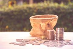 Biznesowy pieniężny pieniądze oszczędzania pojęcie Obraz Stock