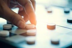 Biznesowy pojęcia planowanie strategiczne, bawić się warcabów gemowych Obrazy Stock