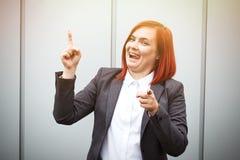 Biznesowy pojęcie sukces Poważny Pomyślny kobieta szef kuchni w a, Obrazy Stock
