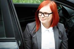 Biznesowy pojęcie sukces Poważny Pomyślny kobieta szef w a, zdjęcia stock