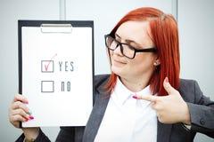 Biznesowy pojęcie wybór i głosować Kobieta w gla i kostiumu Obraz Stock