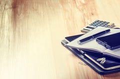Biznesowy pojęcie z agendą, smartphone i kalkulatorem, Fotografia Royalty Free