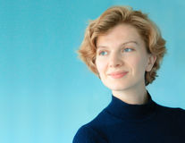 Biznesowy portret przeciw błękitowi z copyspace Zdjęcie Stock