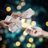 Biznesowy ręki wynagrodzenie dla leków, medycyny biznesowy pojęcie, fotografia stock