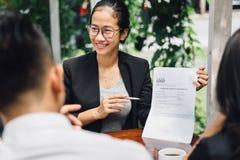 Biznesowy spotkanie w kawiarni Obraz Royalty Free