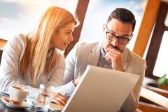 Biznesowy spotkanie w kawiarni obrazy royalty free