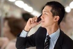 biznesowy telefon komórkowy mężczyzna use obrazy royalty free