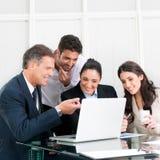 biznesowy uśmiechnięty drużynowy działanie Obrazy Stock