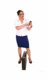 Biznesowych kobiet wybierać numer Zdjęcia Stock