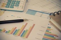 biznesowych wykresów targowy monitorowanie raportu zapas Obrazy Royalty Free