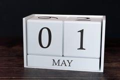 Biznesu kalendarz dla Maja, 1st dzień miesiąc Planisty organizatora data lub wydarzenie rozk?adu poj?cie zdjęcia stock
