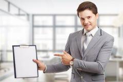 Biznesu, technologii, interneta i networking pojęcie, Młody pomyślny przedsiębiorca w praca procesie obraz stock