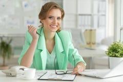 bizneswomanów uśmiechnięci young Obraz Stock