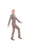 Bizneswoman folująca długość odizolowywająca Obraz Stock