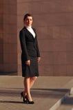 Bizneswoman folujący długość portret Obrazy Royalty Free