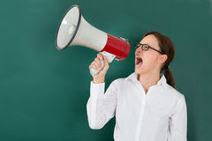 Bizneswoman Krzyczy Though megafon Fotografia Royalty Free