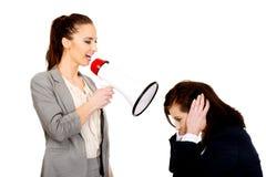 Bizneswoman krzyczy w megafonie Obrazy Royalty Free