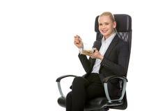 Bizneswoman ma lunch obraz stock