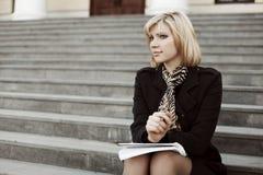Bizneswoman na krokach Obrazy Stock