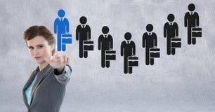 Bizneswoman oddziała wzajemnie osoby i wybiera od grup ludzi ikon Obrazy Stock