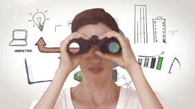 Bizneswoman patrzeje przez lornetek przeciw brainstorm zbiory wideo