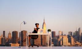 Bizneswoman Pracuje w Miasto Nowy Jork Fotografia Stock