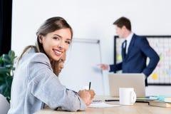 Bizneswoman przy miejsce pracy Zdjęcia Stock