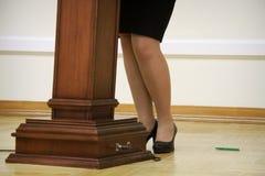 Bizneswoman przy podium Obraz Stock