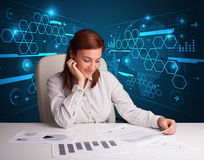Bizneswoman robi papierkowej robocie z futurystycznym tłem Zdjęcia Stock