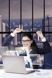 bizneswoman target674_1_ jej sukces Zdjęcia Stock