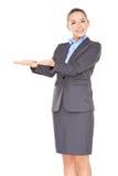 Bizneswoman trzyma out jej puste palmy obraz royalty free