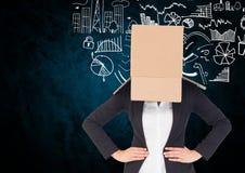 Bizneswoman twarz zakrywająca z kartonem przeciw biznesowemu pojęciu Fotografia Royalty Free