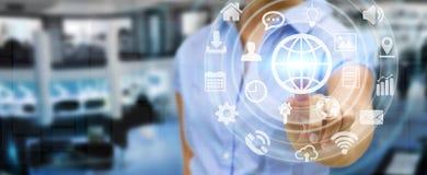 Bizneswoman używa cyfrowego dotykowego parawanowego interfejs z siecią ic Obrazy Royalty Free