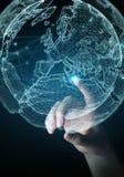 Bizneswoman używa planety sieci sfery 3D ziemskiego rendering Fotografia Royalty Free