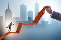 Bizneswoman wspina się kreskową mapę w problemu ekonomicznego pojęciu Zdjęcie Royalty Free
